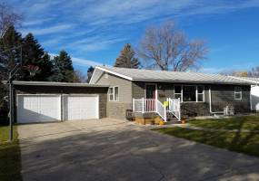 4 Bedrooms, Residential, Sold, Kersten , 3 Bathrooms, Listing ID 1119, Bottineau, North Dakota, United States, 58318,