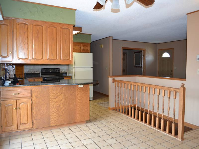 805 Kersten,Bottineau,North Dakota 58318,4 Bedrooms Bedrooms,2 BathroomsBathrooms,Land,Kersten,1120