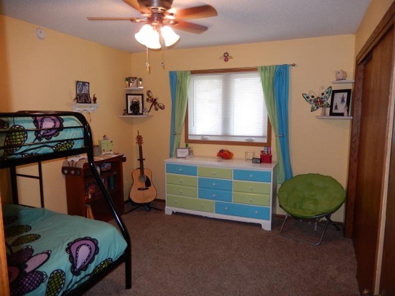 715 7th Street East,Bottineau,North Dakota 58318,4 Bedrooms Bedrooms,2 BathroomsBathrooms,Residental,7th Street East,1123