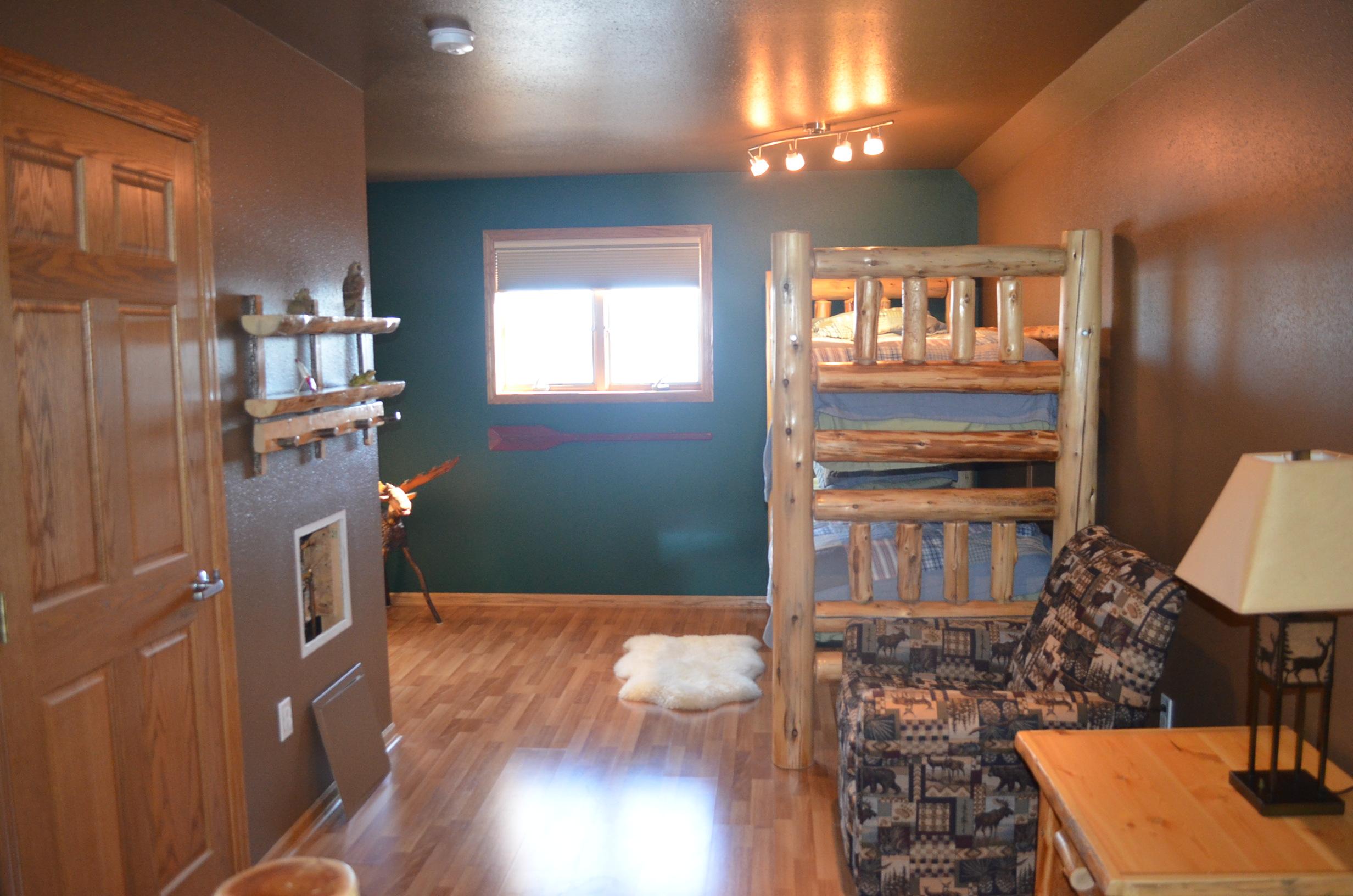 4 Bedrooms, Lake, For Sale, Sunset Bay Road, 4 Bathrooms, Listing ID 1131, Bottineau, Bottineau, North Dakota, United States, 58318,