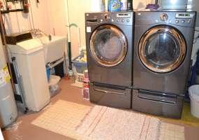 3 Bedrooms, Residential, For Sale, 13th Street West, 1.75 Bathrooms, Listing ID 1142, Bottineau, Bottineau, North Dakota, United States, 58318,