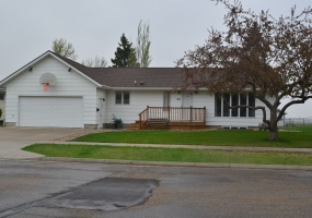 307 13TH STREET WEST,BOTTINEAU,North Dakota 58318,5 Bedrooms Bedrooms,3 BathroomsBathrooms,Land,13TH STREET WEST,1144