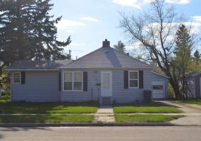620 Nichol Street,Bottineau,North Dakota 58318,3 Bedrooms Bedrooms,2 BathroomsBathrooms,Land,Nichol Street,1224
