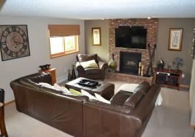 5 Bedrooms, Residential, For Sale, Thompson Street, 2.5 Bathrooms, Listing ID 1229, Bottineau, Bottineau, North Dakota, United States, 58318,
