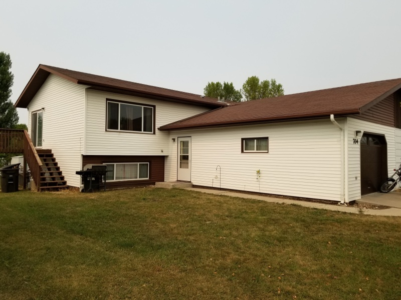 704 Jay Street,Bottineau,North Dakota 58318,4 Bedrooms Bedrooms,2 BathroomsBathrooms,Land,Jay Street,1250