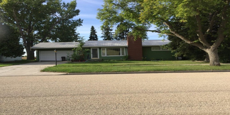 219 13th Street West,Bottineau,North Dakota 58318,Residental,13th Street West,1271