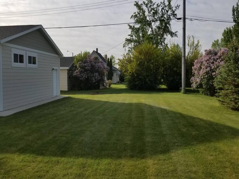 201 2nd Ave. East,Portal,North Dakota 58772,Residental,2nd Ave. East,1301