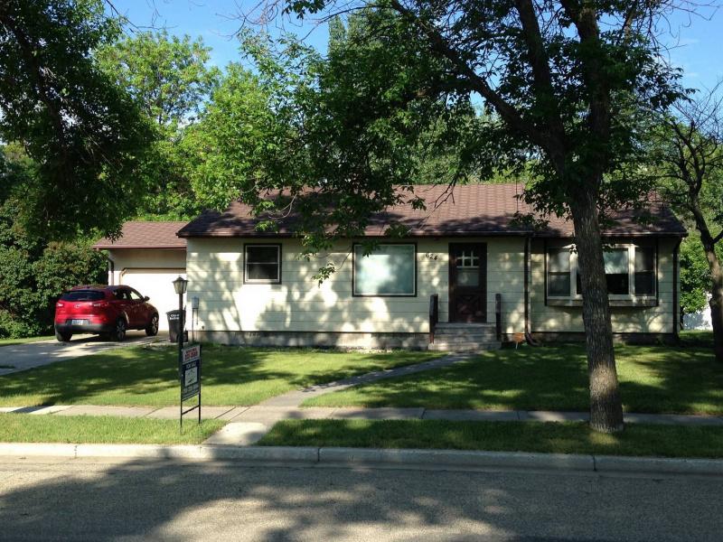 East Street,Bottineau,North Dakota 58318,Residental,East Street,1306