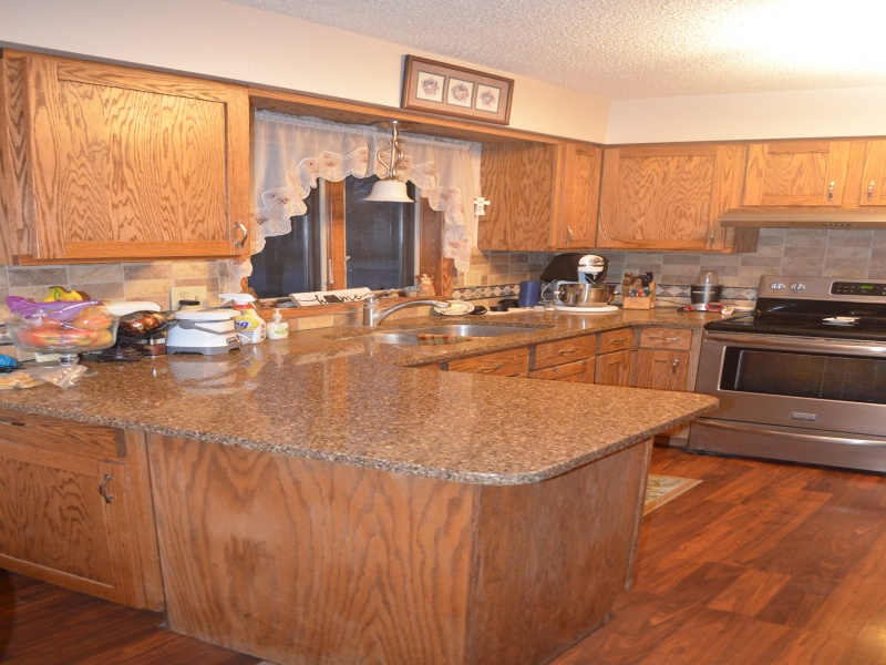 731 7th St East,Bottineau,North Dakota 58318,3 Bedrooms Bedrooms,2 BathroomsBathrooms,Residental,7th St East,1335