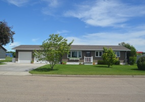209 13th Street East,Bottineau,North Dakota 58318,3 Bedrooms Bedrooms,1 BathroomBathrooms,Residental,13th Street East,1354