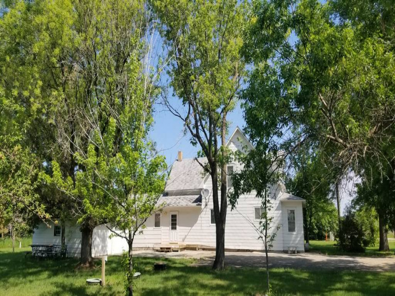 315 Main Street,Gardena,North Dakota 58318,4 Bedrooms Bedrooms,2 BathroomsBathrooms,Residental,Main Street,1355