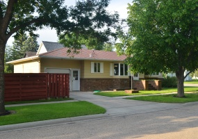 104 10th Street West,Bottineau,North Dakota 58318,2 Bedrooms Bedrooms,2 BathroomsBathrooms,Residental,10th Street West,1361