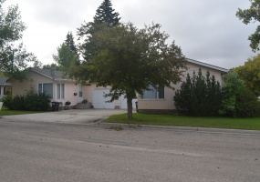 319 and 321 8th Street West,Bottineau,North Dakota 58318,2 Bedrooms Bedrooms,1 BathroomBathrooms,Residental,8th Street West,1371