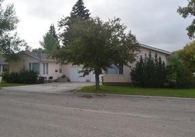 319 and 321 8th Street West,Bottineau,North Dakota 58318,2 Bedrooms Bedrooms,1 BathroomBathrooms,Residental,8th Street West,1371
