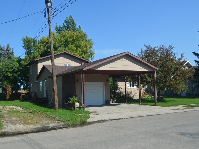 617 5th St E,Bottineau,North Dakota 58318,3 Bedrooms Bedrooms,3 BathroomsBathrooms,Residental,5th St E,1373