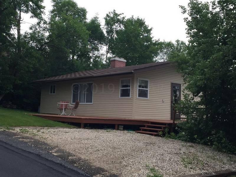 1123 Squaw Point Road,Bottineau,North Dakota 58318,2 Bedrooms Bedrooms,1 BathroomBathrooms,Lake House,Squaw Point Road,1390