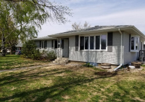 225 5th Avenue East,Westhope,North Dakota 58793,4 Bedrooms Bedrooms,2 BathroomsBathrooms,Residental,5th Avenue East,1414