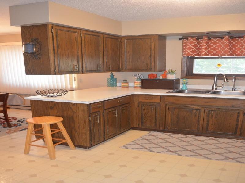610 Vera Street,Bottineau,North Dakota 58318,4 Bedrooms Bedrooms,2 BathroomsBathrooms,Residental,Vera Street,1421