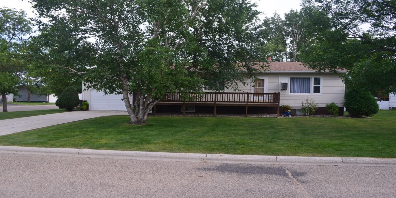 610 Vera Street,Bottineau,North Dakota 58318,4 Bedrooms Bedrooms,2 BathroomsBathrooms,Residental,Vera Street,1421