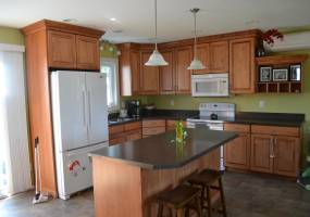 3 Bedrooms, Residential, Sold, Thompson Street, 2 Bathrooms, Listing ID 1072, Bottineau, Bottineau, North Dakota, United States, 58318,