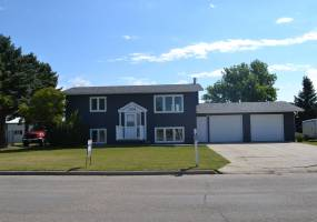 1305 Thompson Street,Bottineau,North Dakota 58318,3 Bedrooms Bedrooms,2 BathroomsBathrooms,Land,Thompson Street,1072