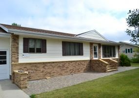 Bottineau,North Dakota,4 Bedrooms Bedrooms,2.5 BathroomsBathrooms,Land,1073