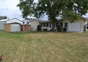 5 Bedrooms, Residential, For Sale, 2.5 Bathrooms, Listing ID 1076, Bottineau, North Dakota, United States,